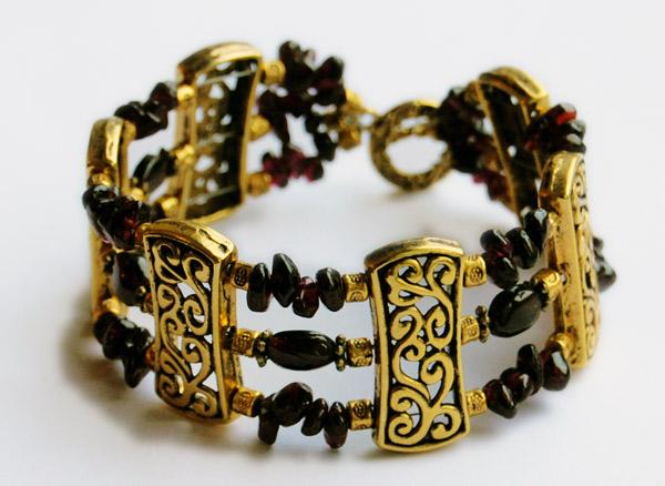 Gold and Garnets förgyllt armband med granater