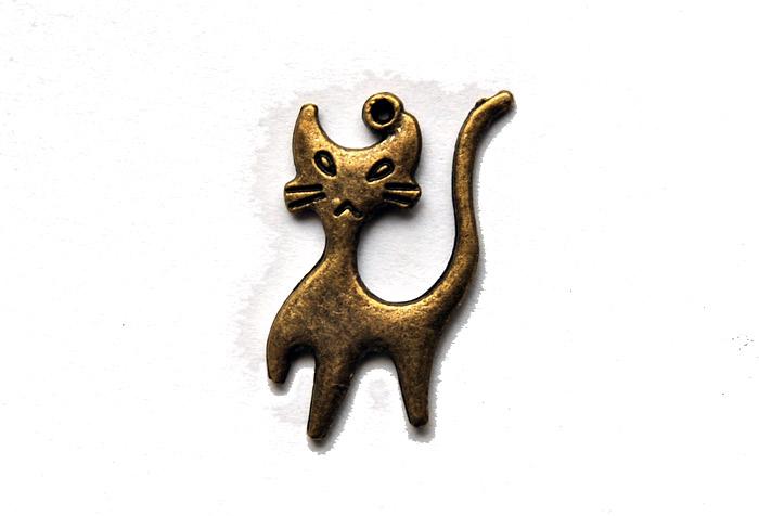 Kattberlock i brons, fint hänge till armband eller halsband